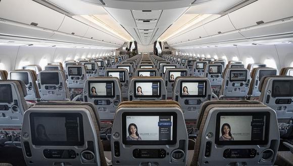 ¿Quiere saber qué es lo que realmente enfurece a los pasajeros? Pasar todo un vuelo con las rodillas presionadas contra el asiento frente a ellos.