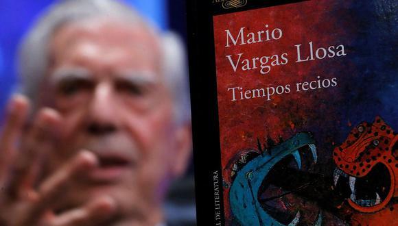 """Mario Vargas Llosa presentó su libro """"Tiempos recios""""."""