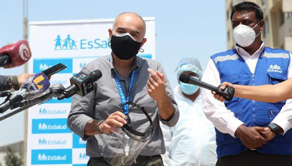 El ministro del Ambiente, Gabriel Quijandría, fue dado de alta tras ser diagnosticado con COVID-19. (Foto: EsSalud)