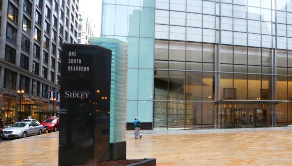 El MEF autorizó contratar a la firma de abogados Sidley Austin LLP de Nueva York. (Foto: Chicago Business)