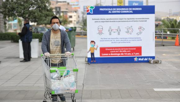 El 67% de los hombres peruanos ya toman decisiones en la compra de alimentos para el hogar, señala Esan. (Foto: GEC)