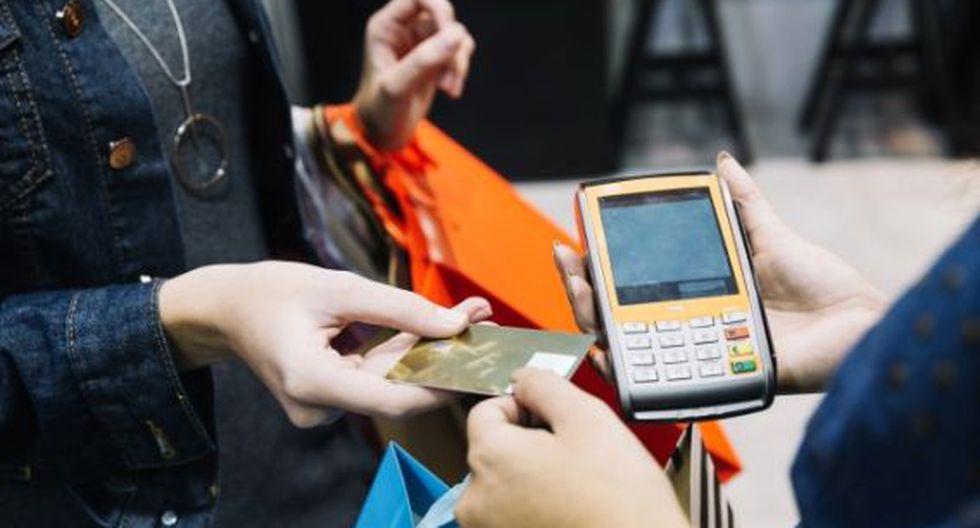 Con una tarjeta de crédito podrá pagar sus cuentas la misma cantidad todos los meses. (Foto: Freepik)