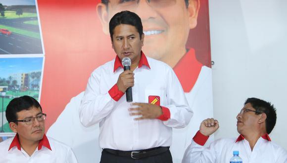 Vladimir Cerrón junto al candidato presidencial de Perú Libre, Pedro Castillo. (Foto: Ángel Ramón)