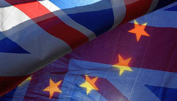 La incertidumbre por la futura relación política y económica con la Unión Europea ha tenido costos reales para la economía del Reino Unido. (Foto: AP)