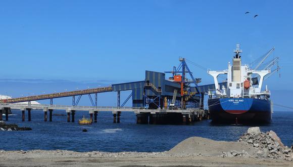 Recientemente se reiniciaron obras para construir una recepción de camiones para traslado de minerales en el puerto de Matarani (Fuente: MTC)