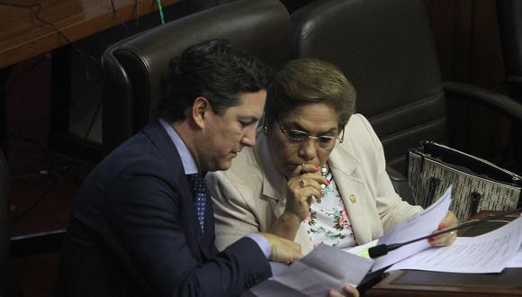 La vocera alterna de Fuerza Popular, Luz Salgado, cuestionó a Daniel Salaverry por haber tomado una decisión sin consultar al Consejo Directivo o la Mesa Directiva. (Foto: GEC / Video: Canal N)