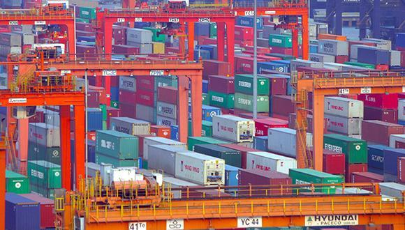 China ha respondido aplicando aranceles por el mismo valor a productos agrícolas estadounidenses como soja, sorgo y algodón. (Foto: EFE)