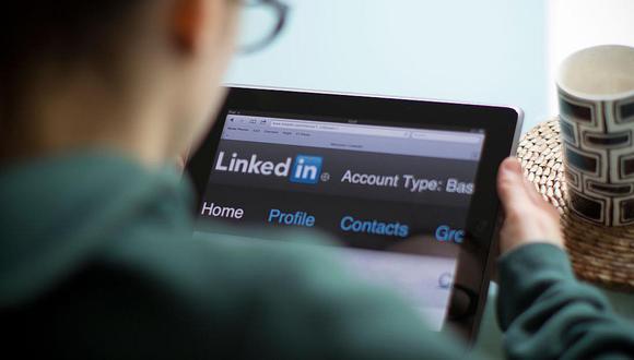 LinkedIn es la mayor red profesional para hacer networking aunque, en muchos casos, hay profesionales que emplean su perfil para otros intereses (Foto: AFP)