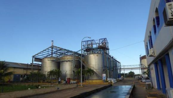 Destilería Alficsa Plus. (Foto: Mesa Redonda - Cuba)