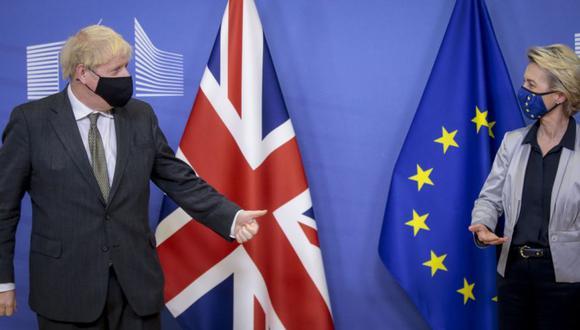 La Unión Europea y el Reino Unido cerraron el día de Nochebuena un histórico acuerdo sobre su relación tras el Brexit. (Foto: EFE)