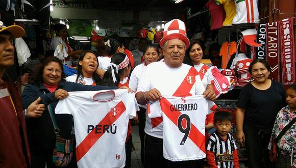 Cada vez se venden más camisetas de la Selección. (Foto:  GEC)