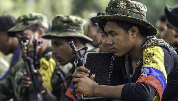 """Era común usar la violencia, pero también había otras formas, como la llamada """"cuota familiar"""", es decir, que las FARC pedían a cada familia campesina """"un hijo para la causa"""" o por """"enamoramiento"""". (Foto archivo: AFP)"""