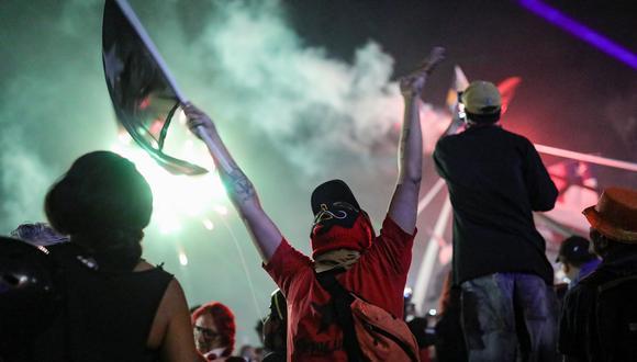 En Servicios destacaron las caídas de educación, transporte y restaurantes y hoteles, fuertemente afectados por las multitudinarias protestas sociales. (Foto: Reuters)