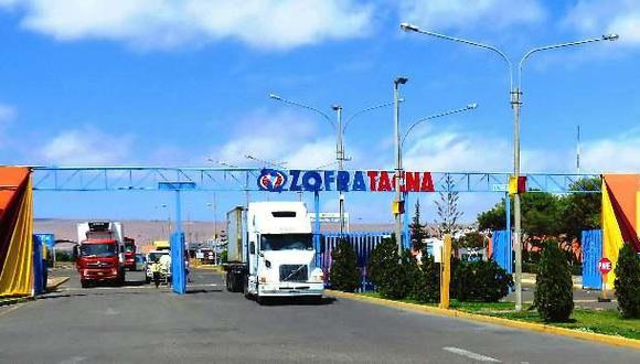 ZofraTacna está ubicada en la región fronteriza de Tacna en el centro de la Costa Pacífico de Sudamérica, y que comparte frontera con países como Bolivia y Chile y a través del mar con toda la Cuenca del Pacífico,
