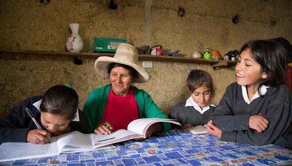 """""""Hubo muchos factores que contribuyeron al aumento de la pobreza como la desaceleración de la economía y el fenómeno del Niño Costeño"""", dijo la ministra La Rosa."""