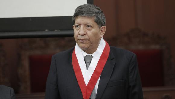 El magistrado Carlos Ramos tendrá que sustentar ante el pleno del TC la demanda que presentó Pedro Olaechea contra el presidente Martín Vizcarra