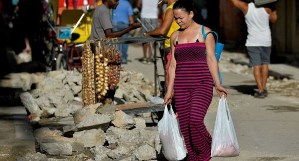 Cuba ha estado enfrentando durante varios meses un endurecimiento del embargo estadounidense, en vigor desde 1962, fuerte escasez de alimentos y combustibles.