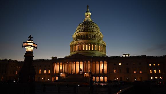 Los legisladores tienen sólo tres días para evitar un posible cierre del gobierno antes de la medianoche del jueves, el final del actual año fiscal. (Photo by Olivier DOULIERY / AFP)
