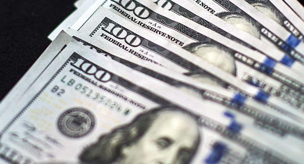 El dólar se vendía entre S/3.328 y S/3.391 en los principales bancos de la ciudad en horas de la mañana. (Foto: AFP)