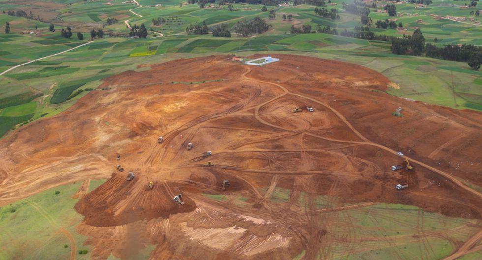 Diversos expertos advirtieron que el terreno en donde se construye el aeropuerto de Chinchero supone un peligro para el patrimonio de Cusco. (Foto: GEC)
