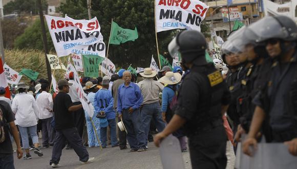 PARO ANTIMINERO CONTRA EL PROYECTO TIA MARIA EN COCACHACRA