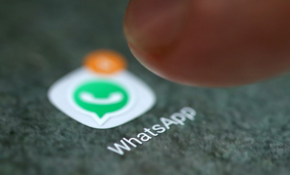 La conversión de audio a texto se hará de forma automática y aparecerá escrita dentro del banner de WhatsApp. (Foto: Reuters)