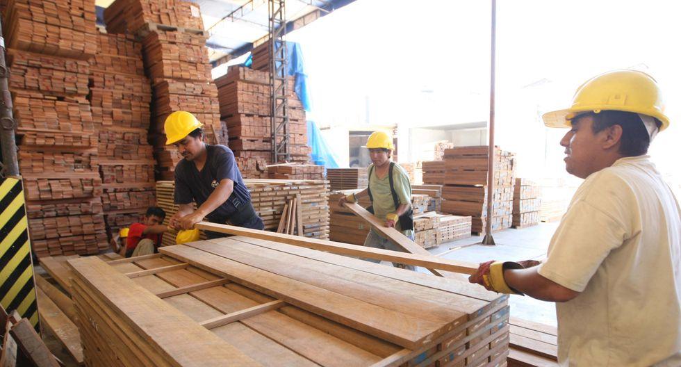 Foto 3   MADERA Y MUEBLES (16.9%). · Muebles: mayor producción de colchones. · Madera: mayores exportaciones de hojas de madera.   (Foto: USI)