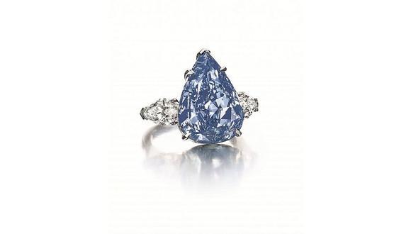 Christie's subastará anillo con diamante azul de 7.03 quilates. (AFP)