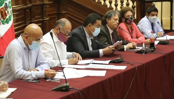 Los congresistas hicieron sus pedidos al ministro de Economía, Waldo Mendoza.