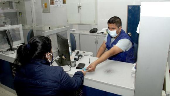 Peruanos podrán ahorrar de forma segura y hacer transacciones seguras sin contacto a través del Banco de la Nación. (Foto: Reniec)