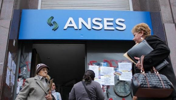 A la fecha en Argentina no existe el sistema privado de pensiones, solo el público (Anses) y para acceder a una jubilación se debe haber aportado al sistema durante 30 años. (Foto: Agencias)