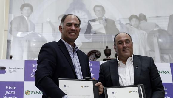 Conferencia de prensa de La Tinka y Beneficencia de Lima.  / Alberto D'Angelo Dañino y Guillermo Ackermann Menacho.