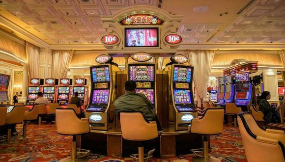 Máquinas tragamonedas en un casino de Macao. (Foto: Anthony WALLACE/ AFP)
