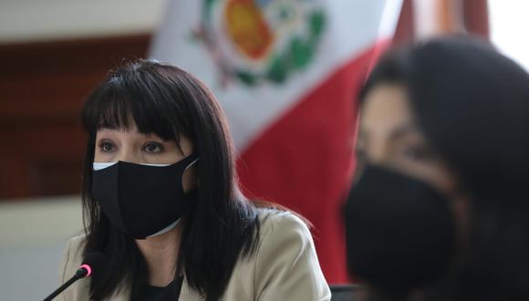 Mirtha Vásquez y Pedro Castillo participaron en la sesión del Consejo de Ministros esta mañana. (Foto: PCM)