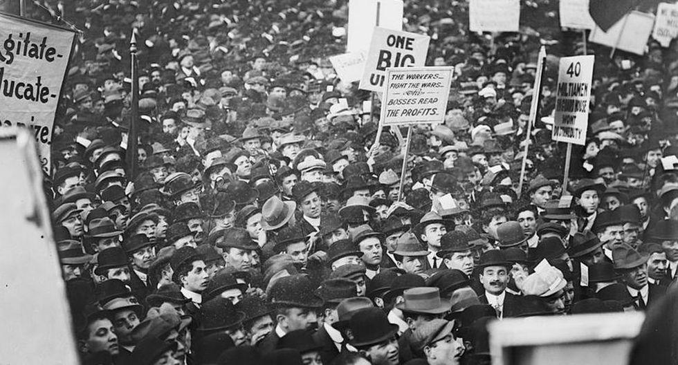 """Histórica fue la movilización luego de la fuerza demostrada por los obreros en sus reclamos que se instauró aquella fecha como el """"Día del Trabajador"""". (Foto: Wikimedia Commons)"""
