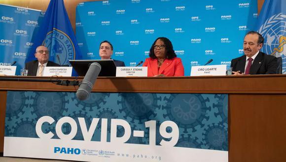 """""""La forma en que comuniquemos sobre las vacunas para el COVID-19 posibilitará o hará fracasar nuestra capacidad para controlar la pandemia"""", enfatizó. (Foto: AFP)"""