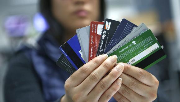 Durante la campaña por el Día de la Madre, los consumidores suelen utilizar sus tarjetas para comprar los regalos. (Foto: GEC).