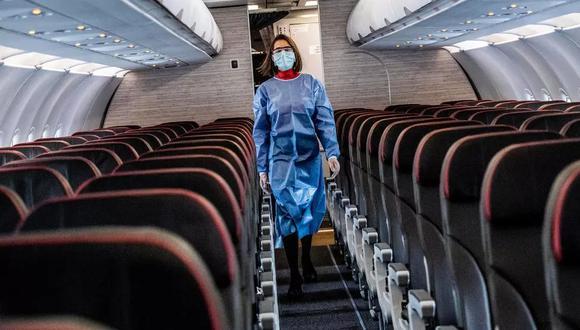 Las aerolíneas usan contenedores con materiales de refrigeración como el hielo seco para transportar productos farmacéuticos, pero algunos no tienen controles de temperatura. (Foto: AFP)