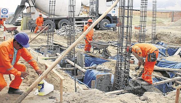 El sector construcción habría restado crecimiento, debido a la fuerte caída de la inversión pública, señala Intéligo.