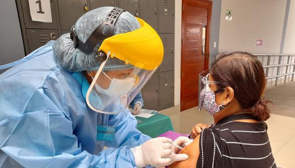 La vacunación en Tacna se realiza principalmente en locales de centros educativos. (Foto: Diresa Tacna)