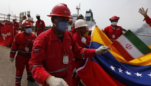 Se espera la llegada del tercer tanquero de la flotilla, el Faxon, a finales de esta semana para completar la entrega de unos 820,000 barriles de gasolina y otros combustibles a la petrolera estatal PDVSA. (AP Photo/Ernesto Vargas)