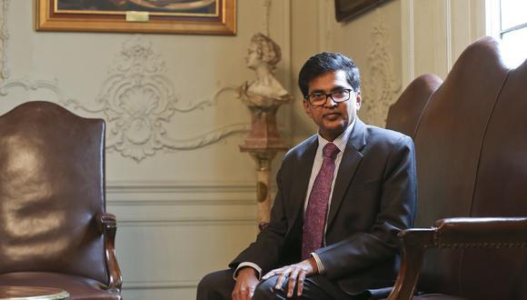 Se consolida. El embajador Subbarayudu desta que Perú e India  celebran 57 años de relaciones y que estas vienen creciendo, así como también las oportunidades de negocios. (Foto: Manuel Melgar)