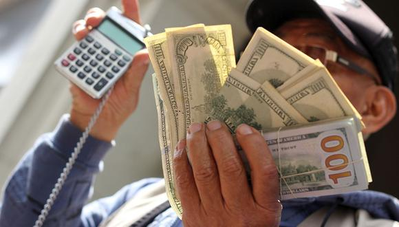 El dólar se vendía a S/ 3.69 en el mercado paralelo este lunes. (Foto: GEC)