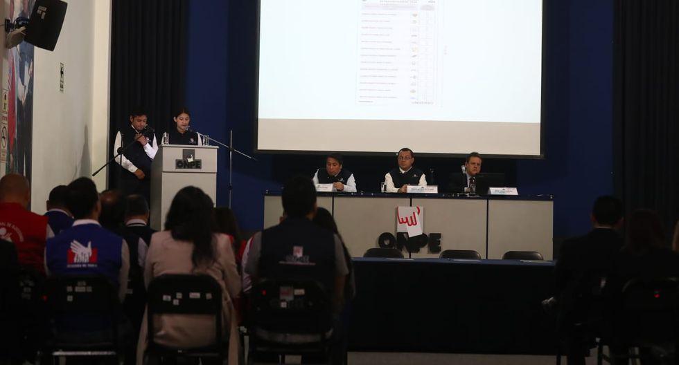 El vocero de la ONPE remarcó que no aparecerán las fotografías de los candidatos. (Foto: Giancarlo Ávila / GEC)