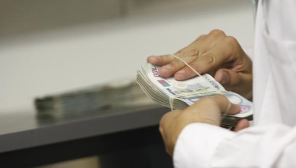1. Alza del sueldo mínimo. Antes de renunciar a la Presidencia,&nbsp;Pedro Pablo Kuczynski aprobó incrementar la remuneración mínima vital (RMV) de&nbsp;S/ 850 a S/ 930. La medida fue cuestionada por gremios empresariales. (Foto: GEC)<br>