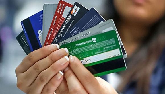 Las restricciones para migrar a otra tarjeta de crédito, inclusive a aquella sin comisión de membresía, se califican como prácticas abusivas (Foto: GEC)