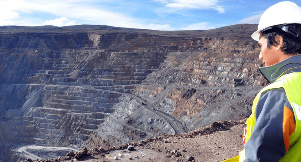 FOTO 6 | Collahuasi. Es la segunda mina de cobre más grande de Chile y produce 454,000 toneladas anuales de producción. Ubicada en el norte de Chile, en la Región de Atacama, es uno de los embalses de cobre más grandes del mundo, con 9,964 millones de toneladas de cobre disponibles. Es copropiedad de Anglo American (44%), Glencore (44%) y Mitsui + Nippon (12%) y vende la mayor parte de su cobre a China para ser fundido. Fue inaugurada en 1999. (Foto: Collahuasi)