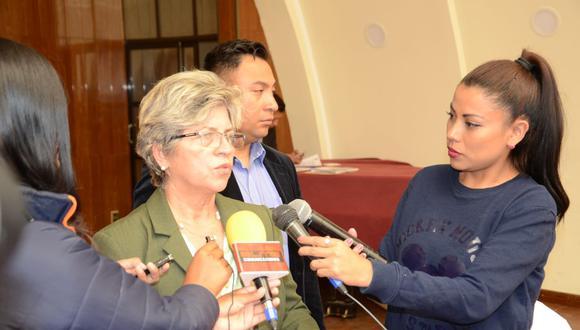 Imagen de archivo de la exministra del Ambiente y Agua de Bolivia, María Elva Pinckert, mientras realizaba declaraciones a los medios de comunicación. (Ministerio del Ambiente y Agua de Bolivia)