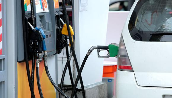 """""""Petroperú y Repsol alzaron ayer precios de gasoholes y gasolinas hasta en S/ 0,68 o 6.4% por galón"""", dijo el presidente de Opecu, Hector Plate. (Foto: GEC)"""