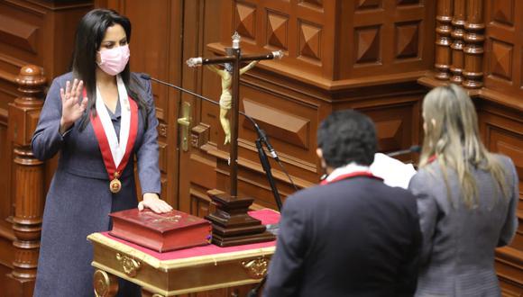 """La legisladora dijo esperar que el presidente electo Pedro Castillo entienda que """"no es un momento de pelea"""". (Foto: Congreso)"""